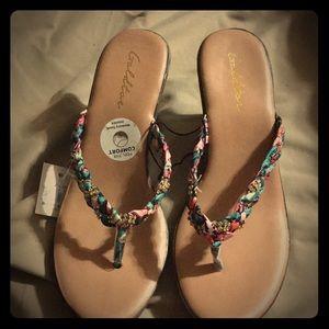 Goldtoe tropical sandal